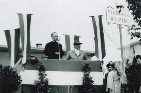 Discorso di don Gnocchi a Casatenovo - 1955